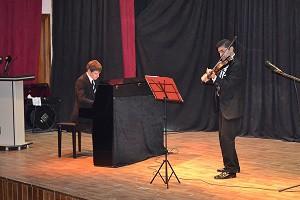 Slemani-AA-pianist-130316